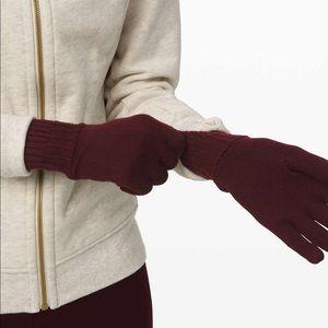 Lululemon Tech and Toasty Knit Gloves Garnet M/L